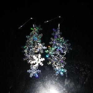Accessories - Holographic snowflake dangly earrings